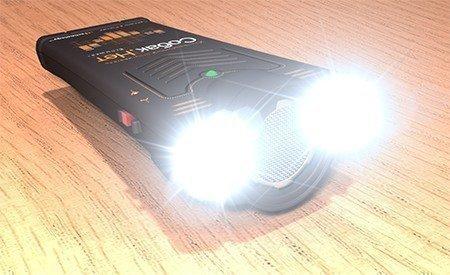 Света встроенных светодиодов хватит, чтобы использовать отпугиватель Собакам.нет Вспышка+ в качестве мощного фонаря